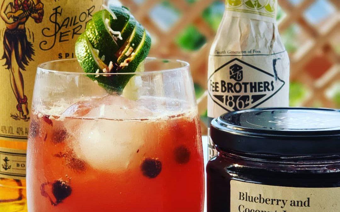 The Dark & Sticky Cocktail